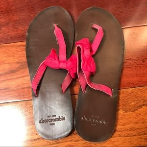 Abercrombie & Fitch pink bow sandals